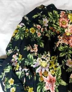 Denim 24/7 Tops - 🌷English Floral Shirt🌷